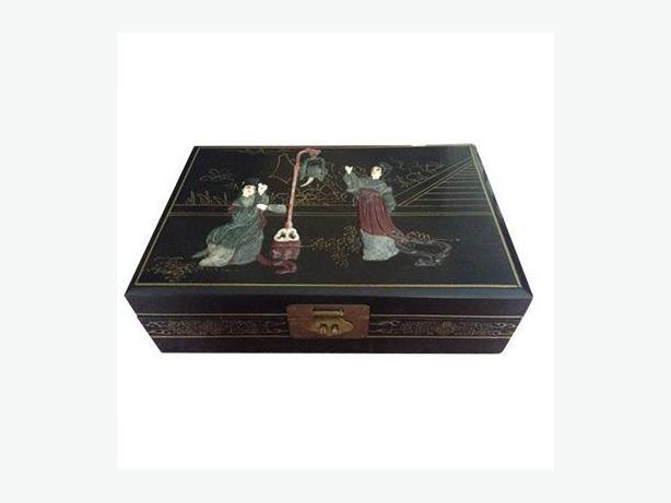 Vintage Japanese black lacquer jewellery box