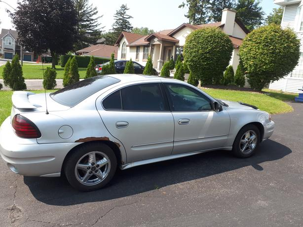 2003 Pontiac Grand Am SE1 Sedan (Will sell for parts)