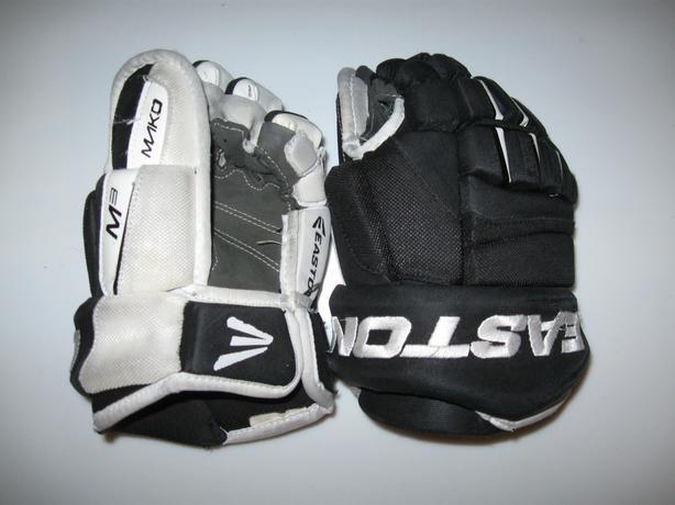 """Small 10"""" Easton M3 Mako Hockey Gloves - Youth/Junior"""