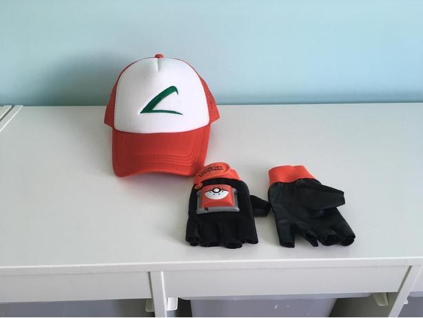 Ash Ketchum (Pokemon) Hat and Battery-Operated Gloves