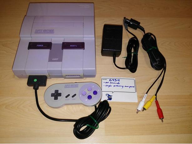 Super Nintendo (SNES) System With Controller - Works Perfectly