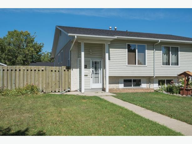 Move-In Ready Three Bedroom Home in East Transcona - Jennifer Queen