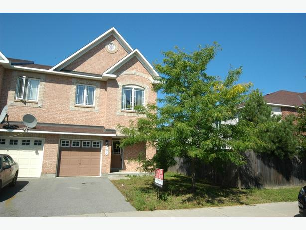 BARRHAVEN - 3 Bedroom Townhouse - Available October 1, 2017