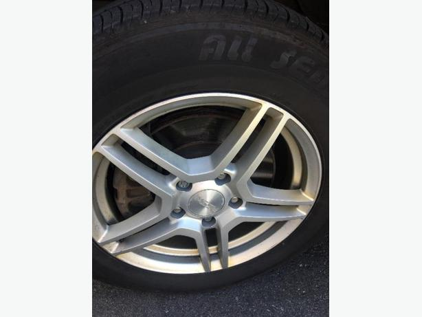 17inch alloy rims and all seasons tires.