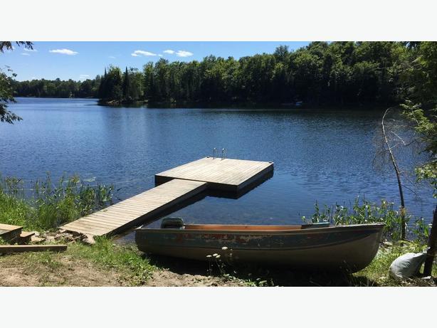 Waterfront, 30 mins north of Gatineau/Ottawa, 4 seasons, Perkins, QC