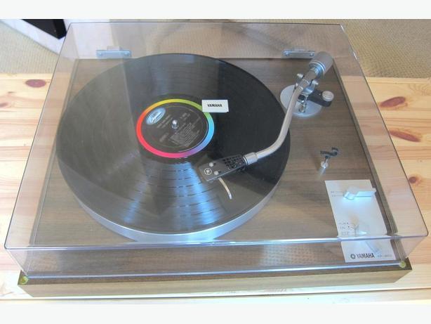 YAMAHA YP-450 TURNTABLE RECORD PLAYER SUPER NICE CLASSIC
