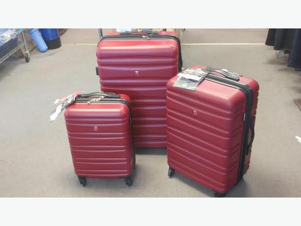 BRAND NEW SWISS GEAR LUGGAGE - red