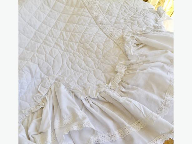 St Jacob's Double Mennonite Quilt - Beautifully Hand Quilted