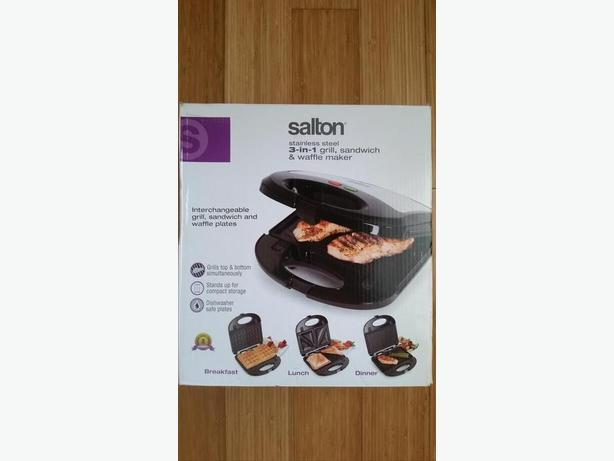 Salton 3 in 1 Grill, Sandwich and Waffel maker