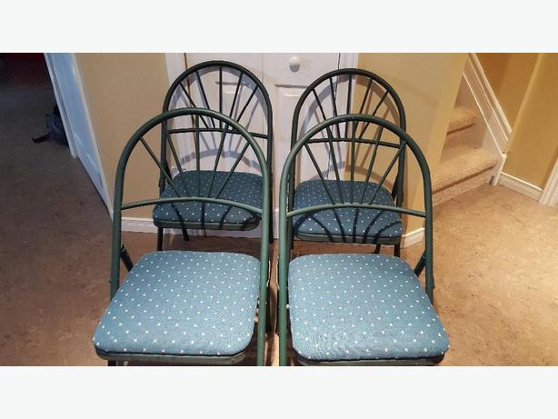 Set of 4 foldable chairs for sale