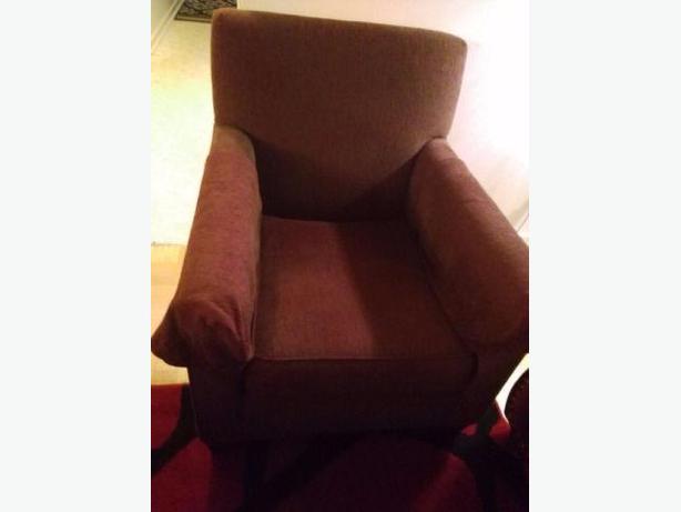 burgandy chair