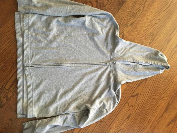 GREY OLD NAVY ZIP UP HOODIE SIZE 14/ 16 - BOYS / GIRLS