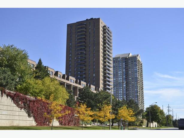 #712-515 St.Laurent Blvd - 2 Bedroom Rental!