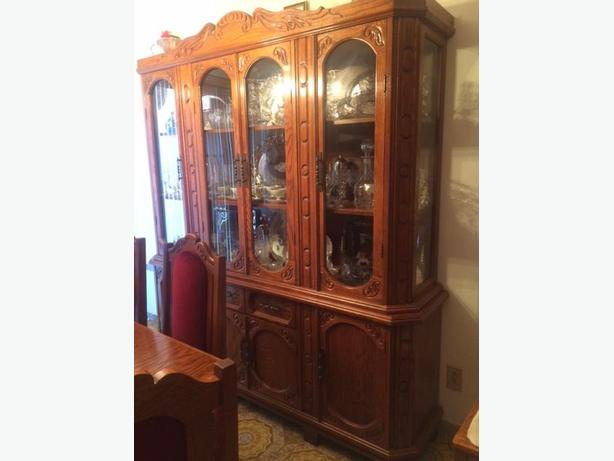 wood dining room set / salle a manger