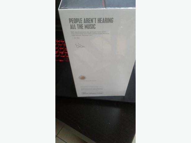 BEATS HEADPHONES Solo3 Wireless (Brand new) GOLD EDITION