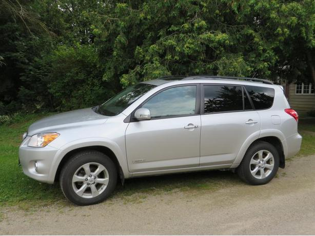 Toyota Rav 4 Limited AWD, 4 cylinder SUV, 90600 km, one owner