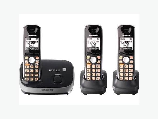 Quality Panasonic DECT 6 cordless phone set 3 handsets