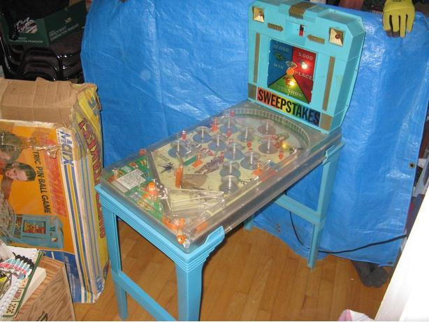 """Sweepstakes"" Electric Pinball Game by Marx Vintage"
