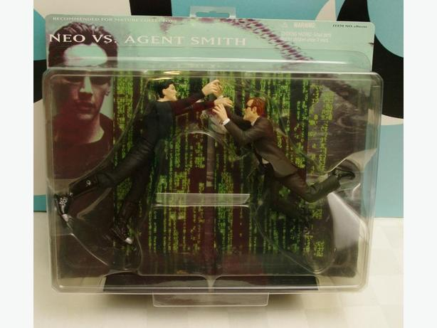 The Matrix figures - Neo vs Smith and Trinity