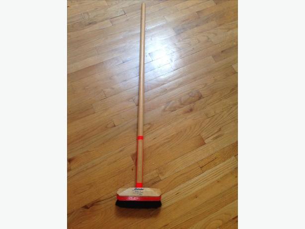 Curling  brush...like new