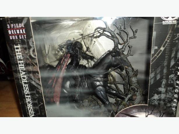 Sleepy Hollow deluxe 3 piece set - the headless horseman