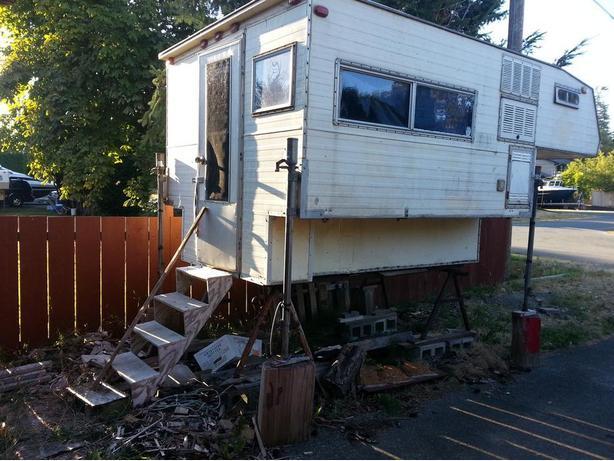 FREE: Truck camper