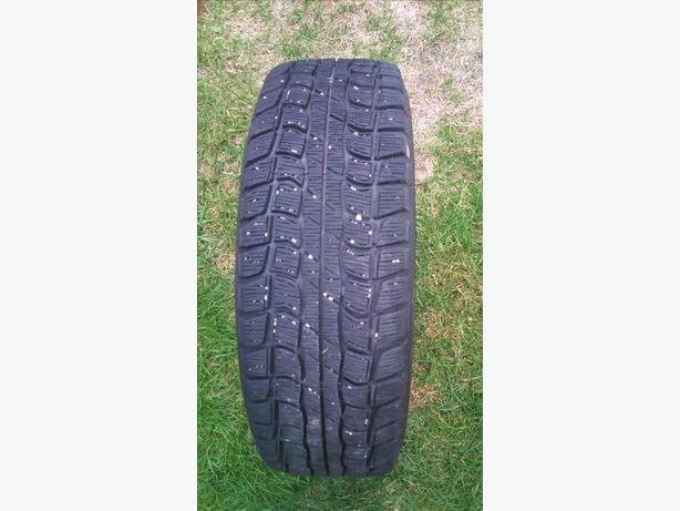 4X15 INCHES WINTER TIRES ON RIMS BOLT PATTERN 5X115 LIKE NEW