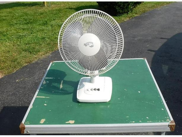 Hampton Bay 3 Speed Table Top Fan