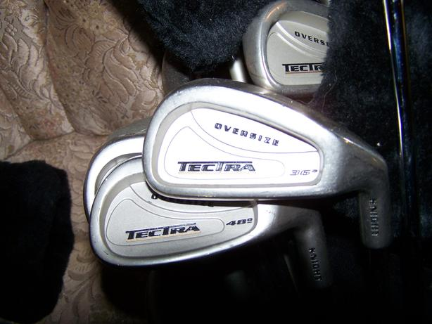 WOMENS GOLF BAG AND CLUBS