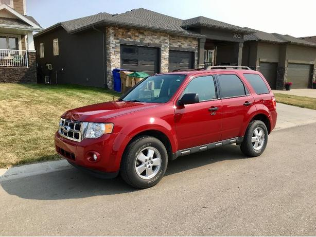 2011 Ford Escape XLT low kms