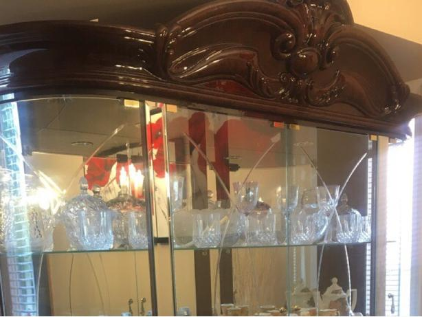 China cabinet & dining room table