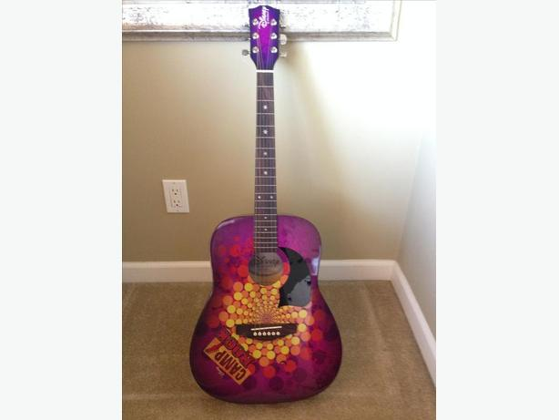 ~*~ Disney Camp Rock Guitar~*~