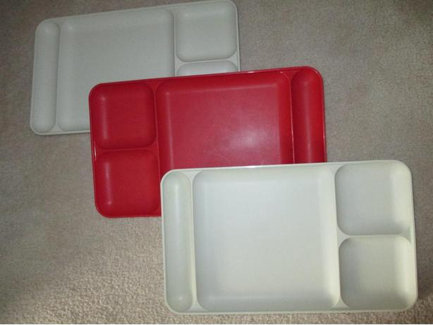 BRAND NEW: THREE TUPPERWARE SECTIONED MICROWAVABLE FOOD TRAYS PLATES