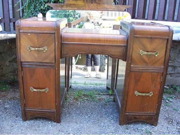 Art-Deco Dresser with Mirror