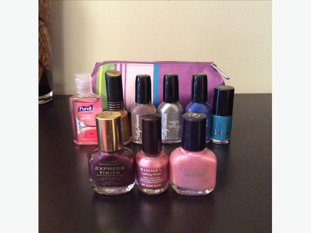 New Clinique Makeup Bag & Nail Polish Lot