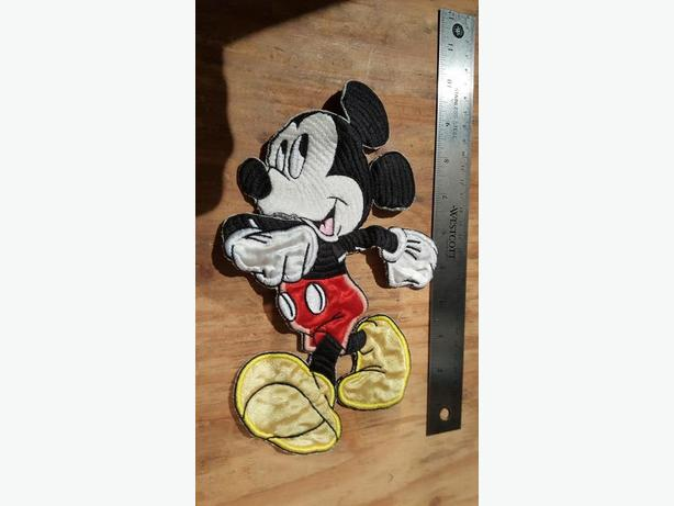 VINTAGE EMBROIDERED MICKEY PATCH