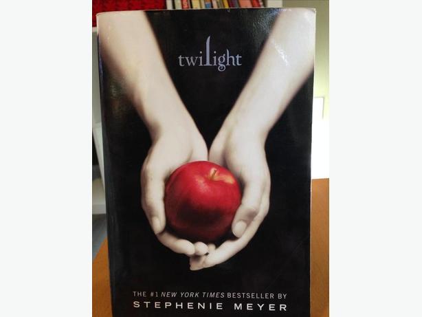 ~*~ Twilight Saga Series ( Hardcover)~*~r