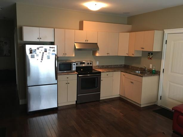 Large one bedroom near Costco for rent.