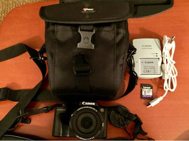 ***BARELY USED*** Canon PowerShot SX500 IS Digital Camera + Accessories