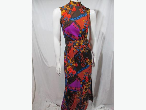 ** Vintage 1970's dress ** size small