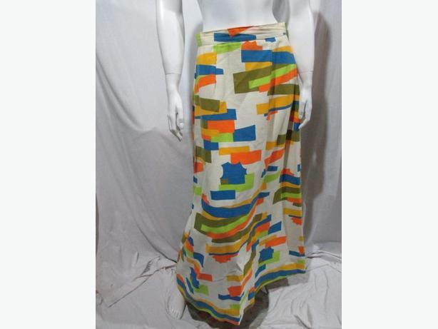 ** Vintage 1970's skirt ** size 29 inch waist