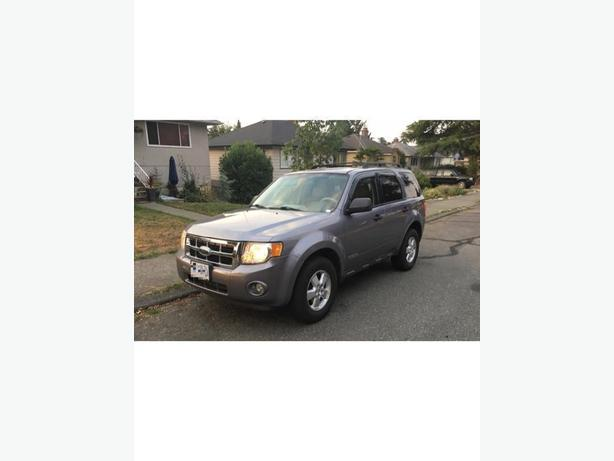 2008 Ford Escape XLT.