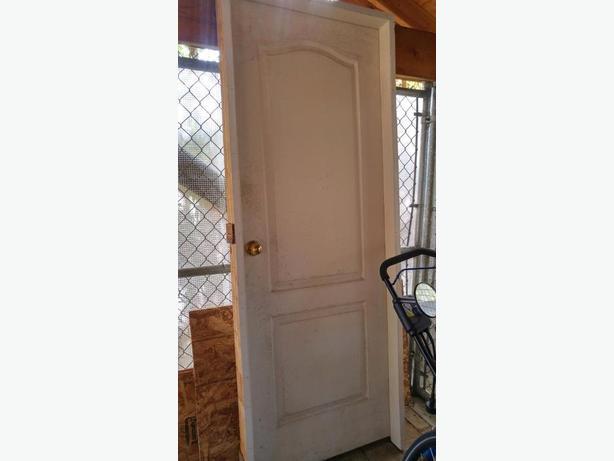 FREE: Door + frame