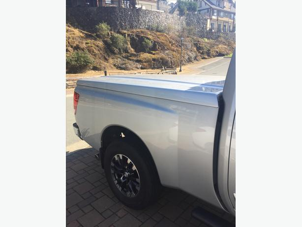 Nissan Titan King Cab Fiberglass Tonneau Cover