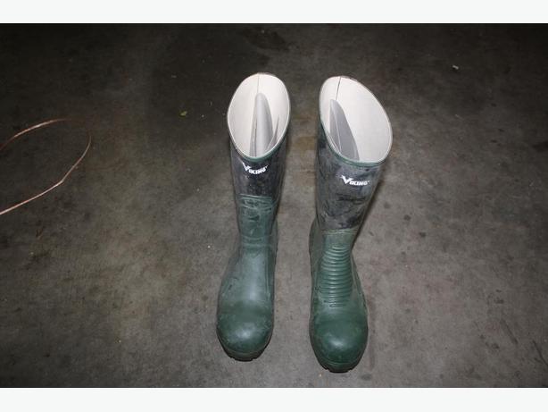 RUBBER Steel toe Boots
