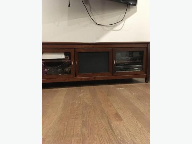 entertainment stand/ tv or audio