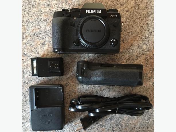 Fujifilm X-T1 with grip!