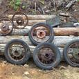 OLD SPOKE RIMS VERY RUSTED