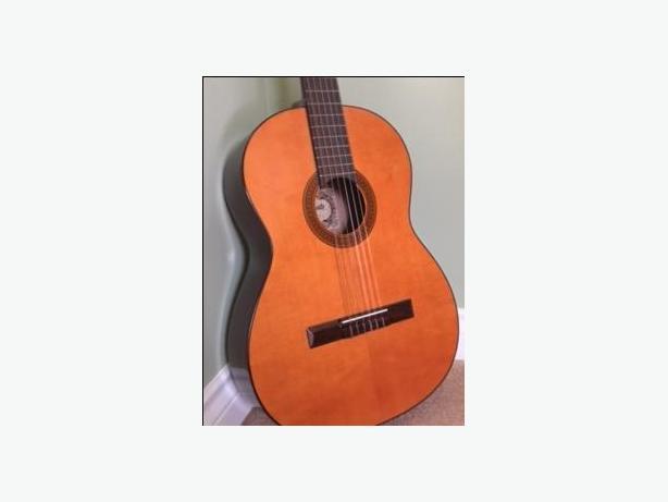 Yamato Classico Guitar