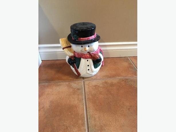 FREE: snowman cookie jar